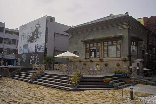 台南縣新化鎮新化街役場‧水灣餐廳側門.jpg
