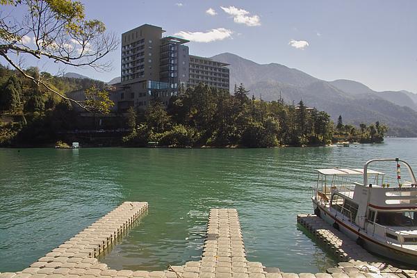 南投縣魚池鄉汎麗雅酒店全貌與周邊環湖景觀3.jpg