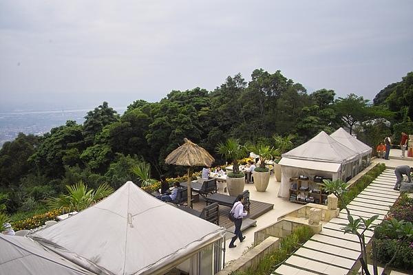 台北市屋頂上餐廳棚頂2.jpg