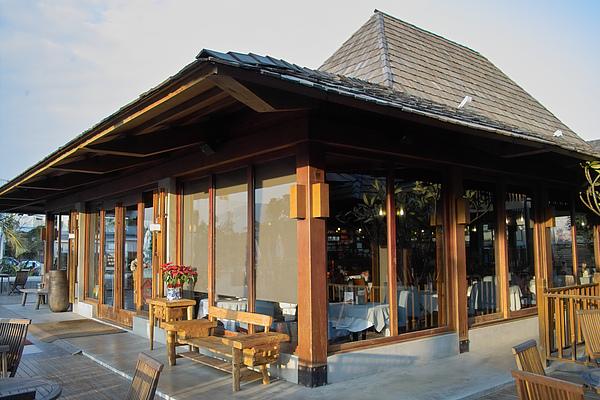 台中市花門餐廳主建築特寫.jpg
