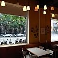 台北市村落餐廳.JPG