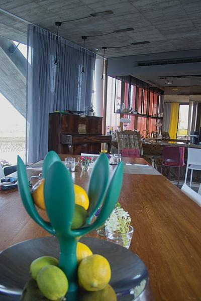 宜蘭縣五結鄉浮線發想之島接待大廳餐桌2.jpg