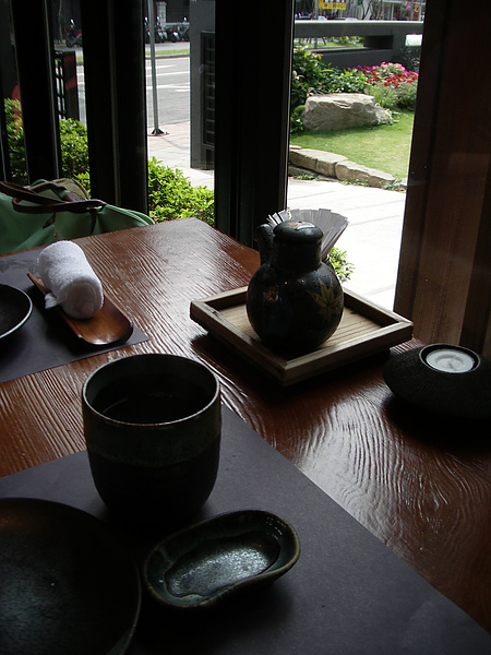 台北市加賀庭園食房杯盤.JPG