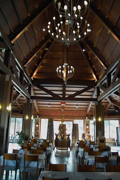 台中市花門餐廳主建築內裝3.jpg