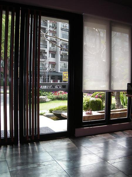 台北市加賀庭園食房入口2.JPG