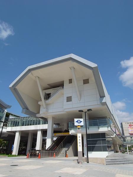 台北市捷運劍南路站 (3).JPG
