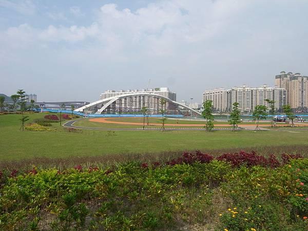 台北縣新店市陽光橋.JPG