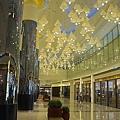 高雄市夢時代購物中心試營運藍鯨館燈飾.jpg