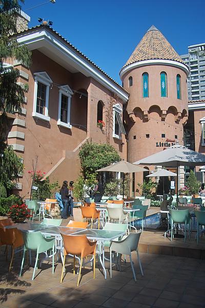 台中市小義大利莊園餐廳戶外空間.jpg