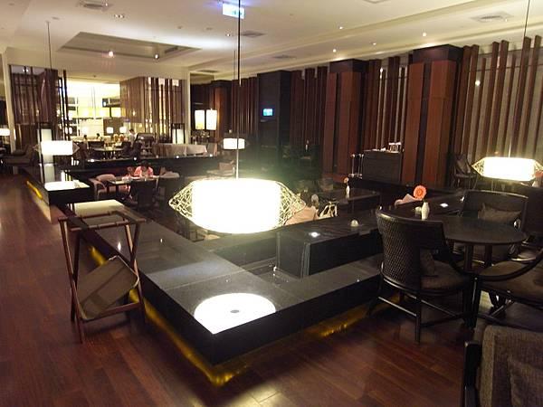 宜蘭縣宜蘭市蘭城晶英酒店:大廳酒吧 (7).JPG