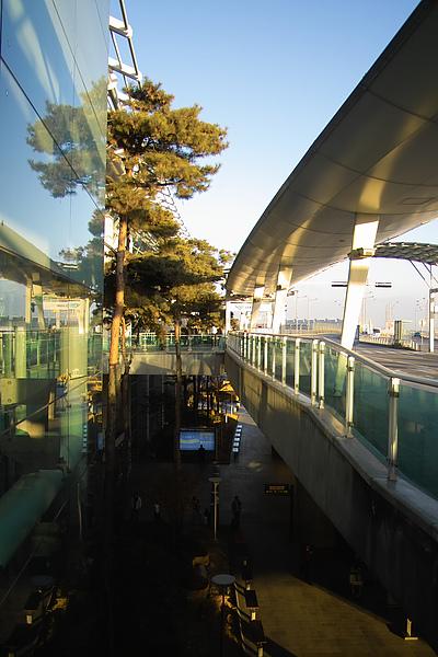 韓國仁川機場上下.jpg