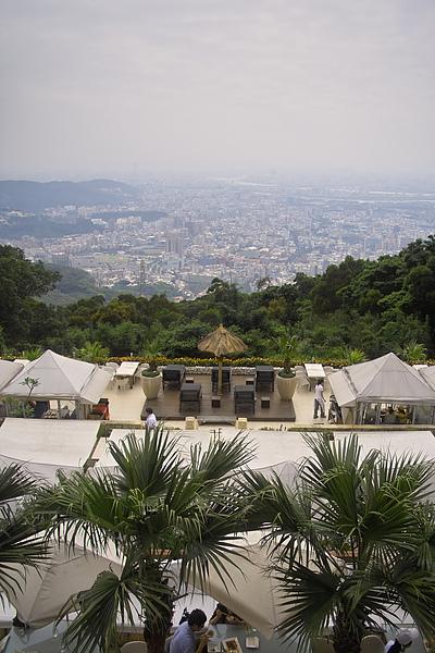 台北市屋頂上餐廳全景3.jpg