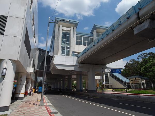 台北市捷運大湖公園站 (1).JPG