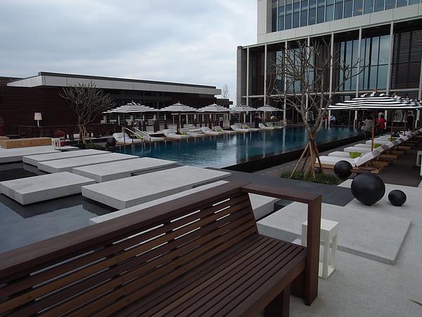台北市W Taipei:WET游泳池 (13).JPG