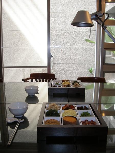 台東縣台東市少則得民宿一樓起居室早餐特寫2.JPG