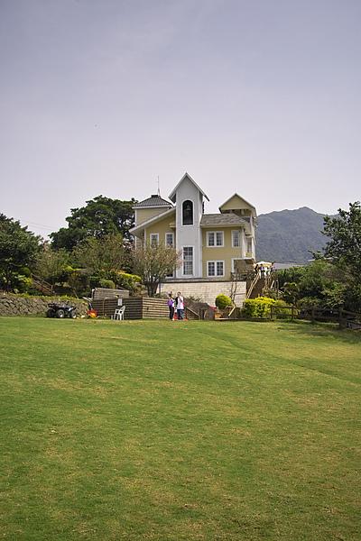 台北北投發現花園餐廳建築+草坪2.jpg