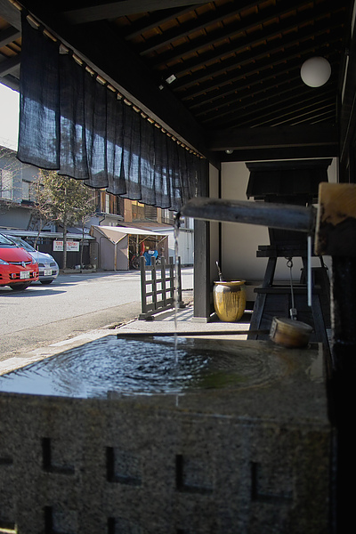 日本岐阜縣高山市翌檜和風旅館入口日式流泉.jpg