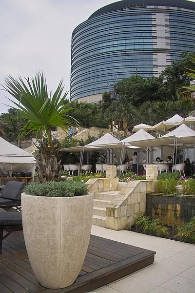 台北市屋頂上餐廳&文化大學27億體育館.jpg