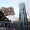 台北市體育館(田徑兼足球場)工程2+社教館玻璃棒電梯.JPG