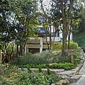 新竹縣芎林鄉維洛那咖啡庭園餐廳入口處.jpg
