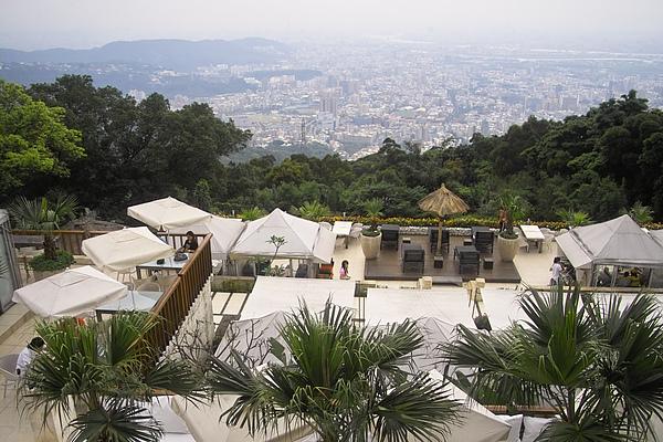 台北市屋頂上餐廳全景.jpg
