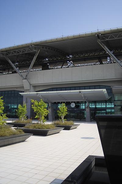 台中縣烏日鄉高鐵站二樓大門立景.jpg