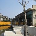 新竹縣峨嵋鄉二泉湖畔咖啡民宿曲折的岸.jpg
