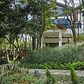 新竹縣芎林鄉維洛那咖啡庭園餐廳隱身於樹林.jpg