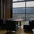 新竹縣尖石鄉數碼天空餐廳一樓室內座位3.jpg