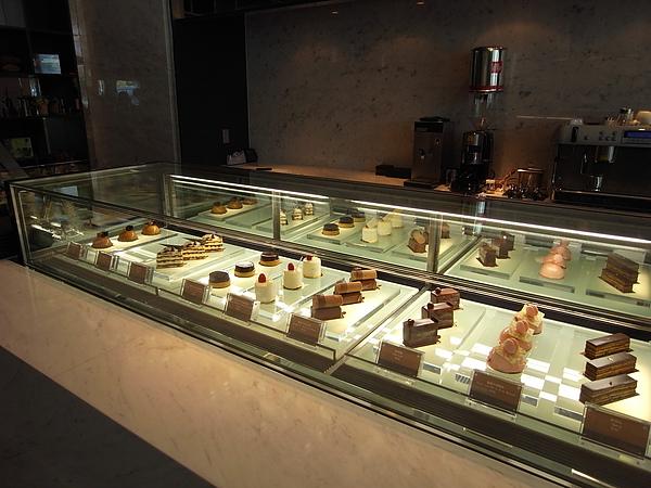 台北市台北寒舍艾美酒店:巧克光廊 (3).JPG