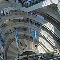 高雄市夢時代購物中心試營運蛋的空間最佳角度.jpg