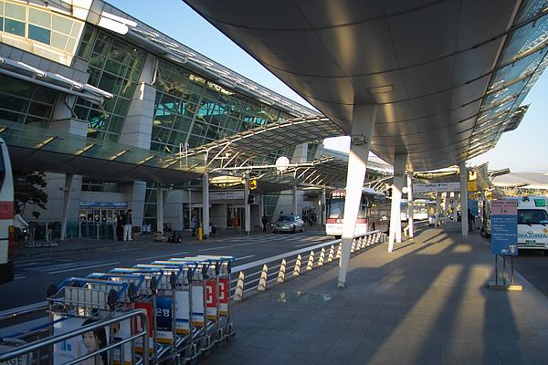 韓國仁川機場候車空間.jpg
