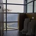 新竹縣尖石鄉數碼天空餐廳景觀男廁.jpg