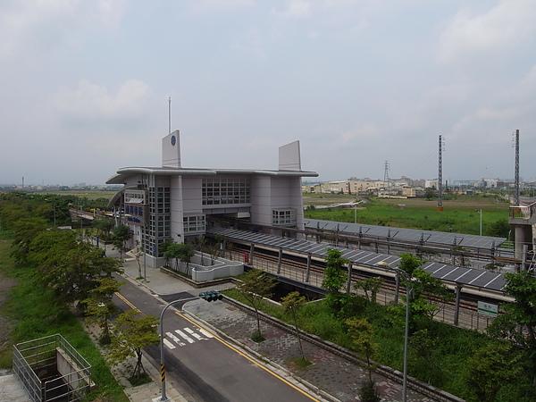 台南縣新市鄉台鐵南科站 (8).JPG