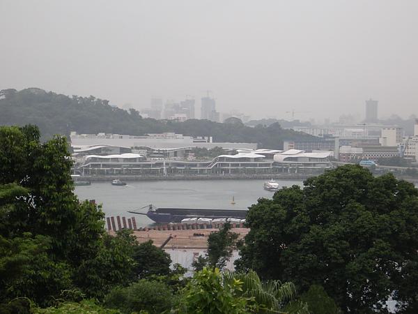 新加坡聖淘沙遙望VIVO City.JPG