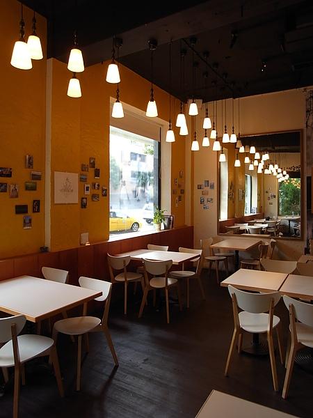 台北市村落餐廳 (15).JPG