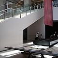 台北市故宮博物館第一展覽館B1大廳陽光.JPG