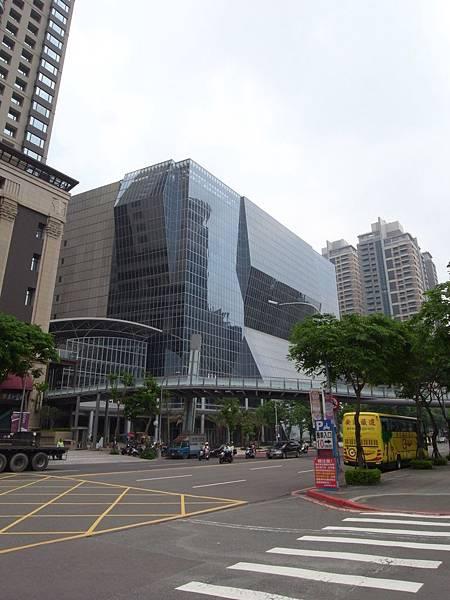 台北縣板橋市遠東百貨板橋購物中心【盜攝版】.JPG