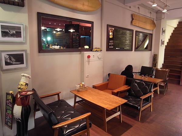 台北市Surf Cafe美式餐廳 (1).JPG