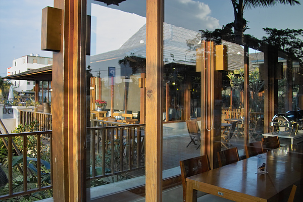 台中市花門餐廳透視.jpg