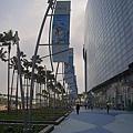 高雄市夢時代購物中心試營運藍鯨館外牆2.jpg
