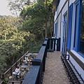 新竹縣芎林鄉維洛那咖啡庭園餐廳二樓陽台.jpg