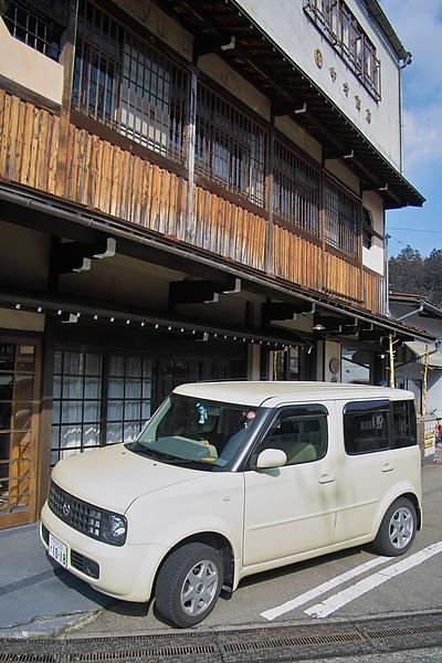 日本岐阜縣高山市Nissan Cube2.jpg