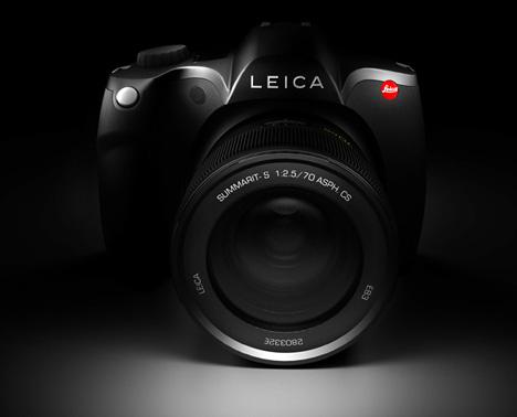 Photog Hounds Like The Leica S5