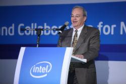 英特爾副總裁暨技術長Justin Rattner指出,英特爾在20奈米以下的處理器製程發展腳步亦符合預期,很快就能推出14奈米產品。