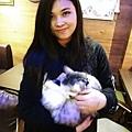 黃小姐與貓.JPG