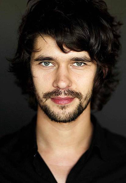 Ben-Whishaw-is-gay-and-married-2.jpg