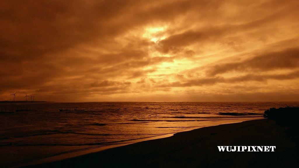 假黃昏海邊景色