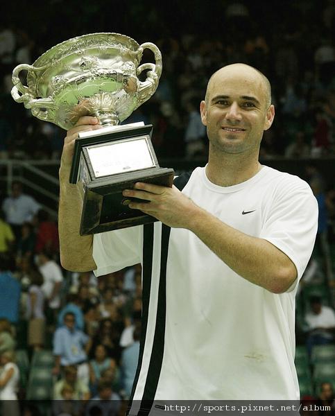 2003年澳網冠軍  生涯第八個也是最後一個大滿貫金盃
