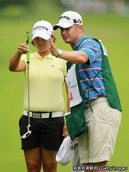 2011Wegmans LPGA 曾雅妮奪冠之路Day2 (2).jpg